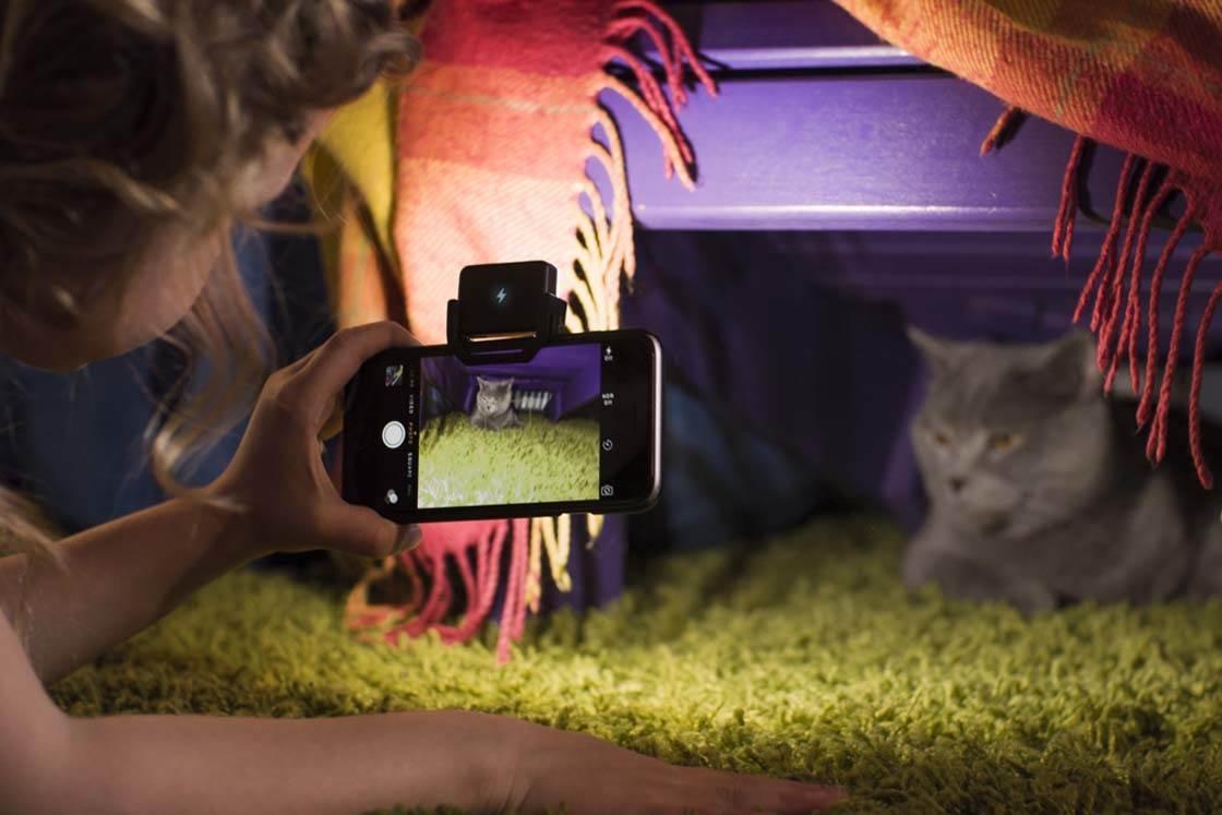 iBlazr iPhone Camera Flash 4 no script