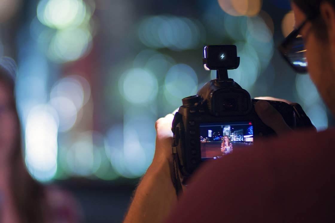 iBlazr iPhone Camera Flash 9 no script
