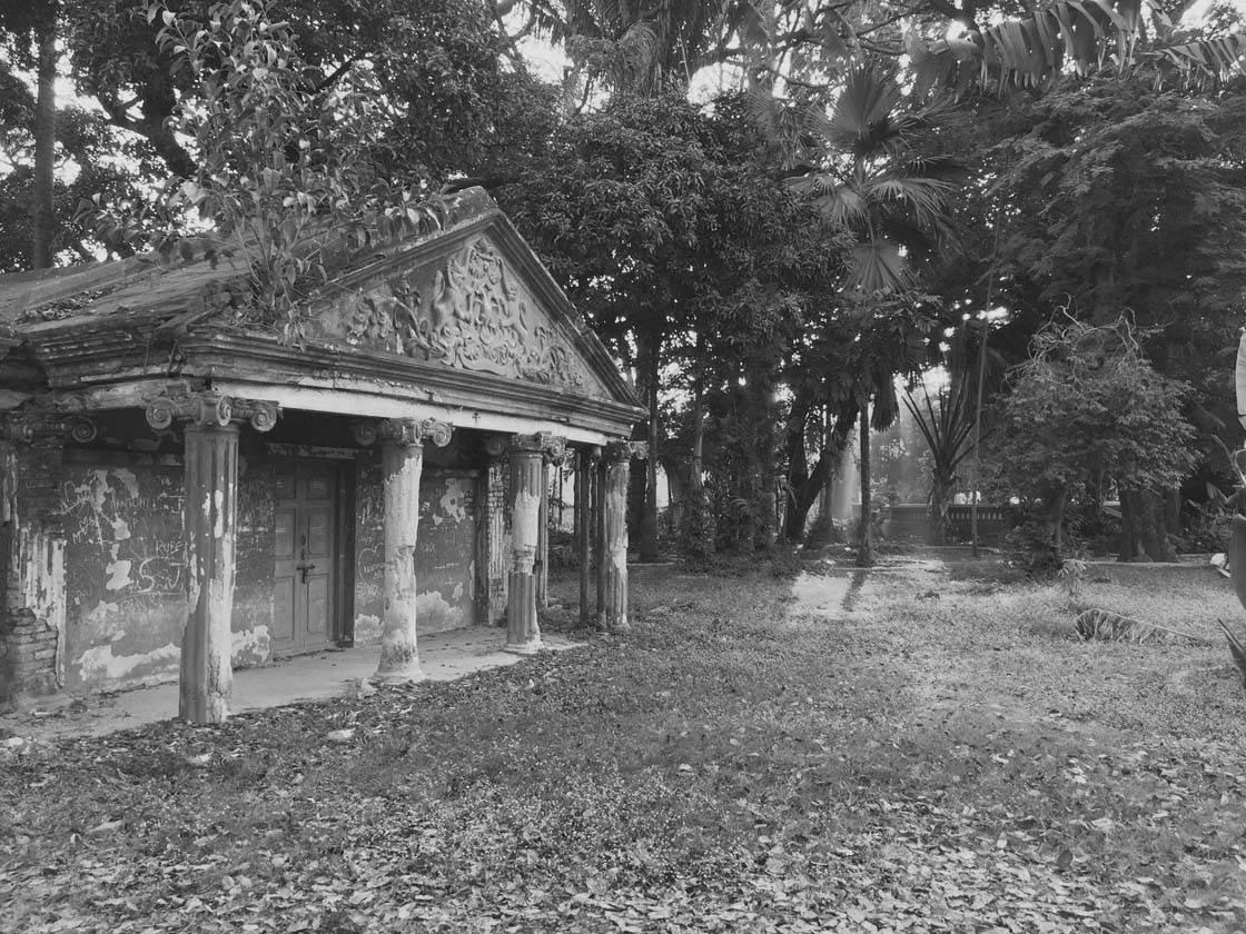 iPhone Photos Historic Buildings 2 no script