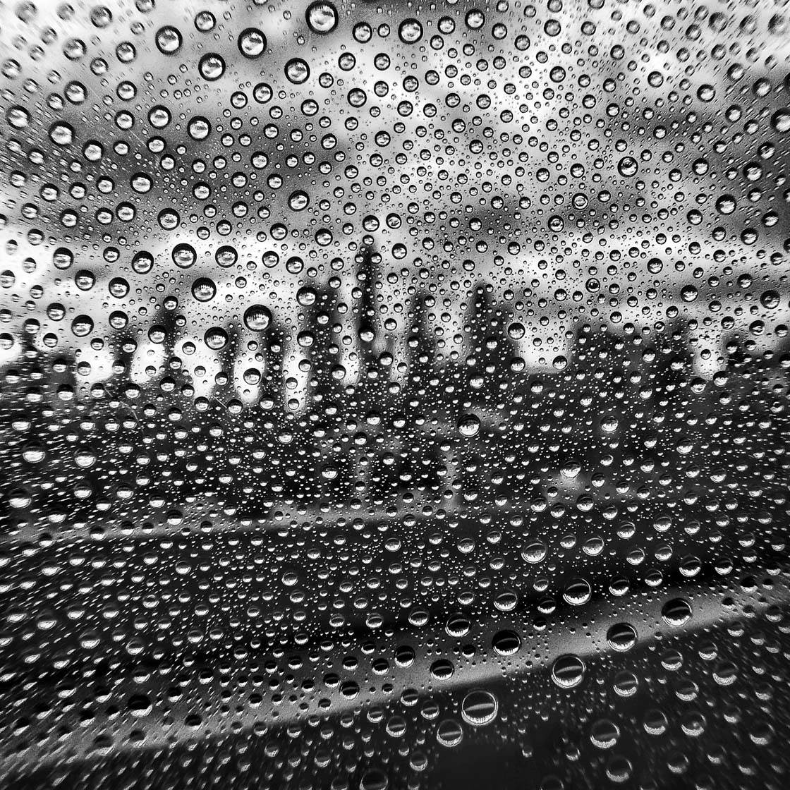 iPhone Photos Rain 4 no script