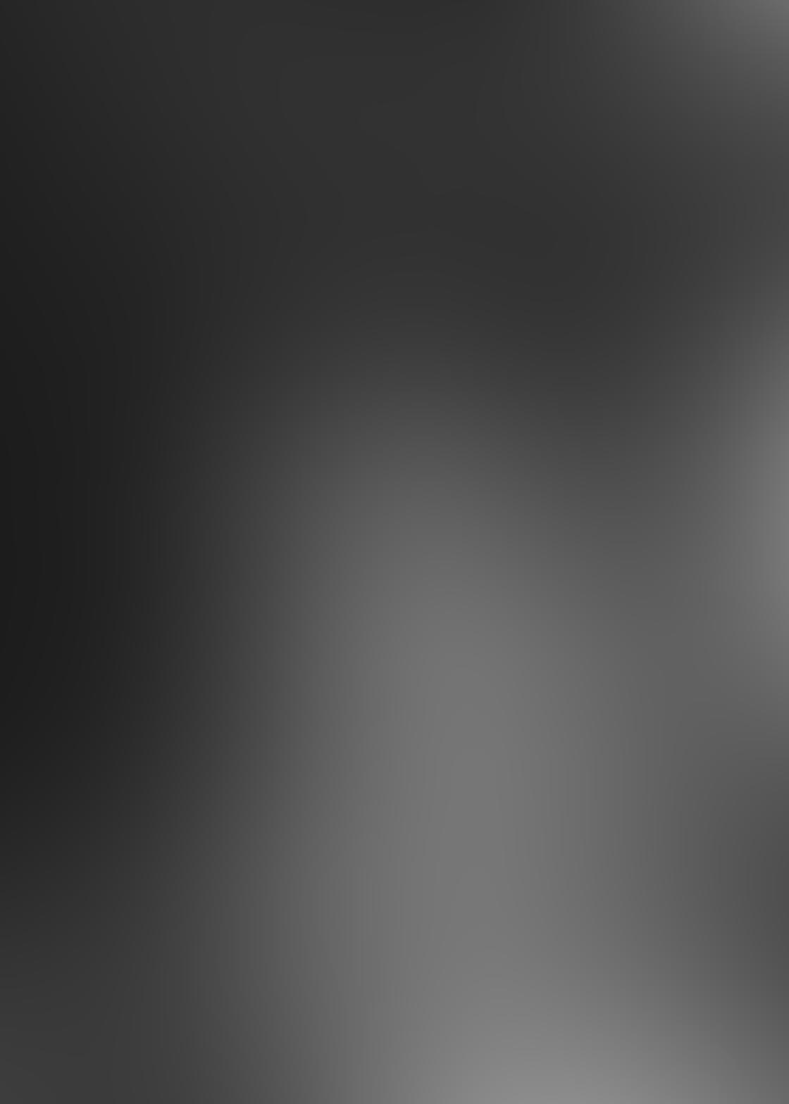 Black & White iPhone Portrait Photos 9