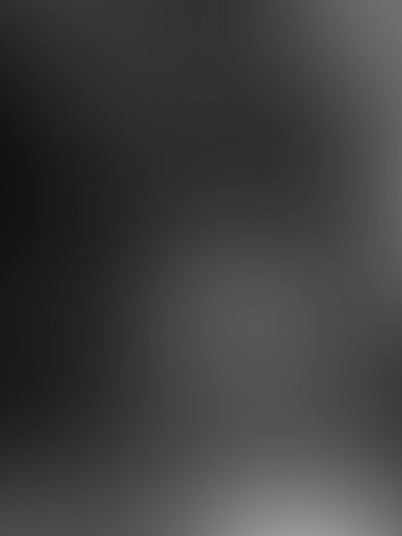 Black & White iPhone Portrait Photos 16