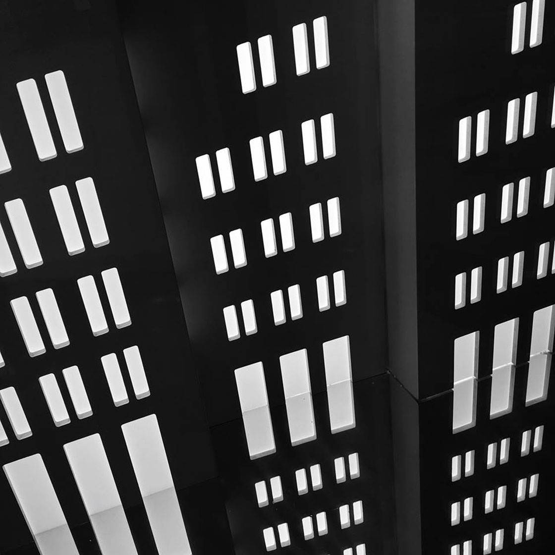 Abstract iPhone Photos 14 no script