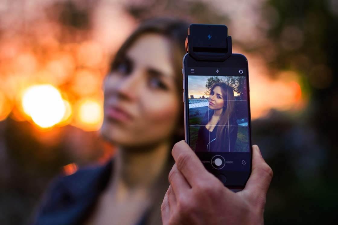 iBlazr iPhone Camera Flash 2 no script