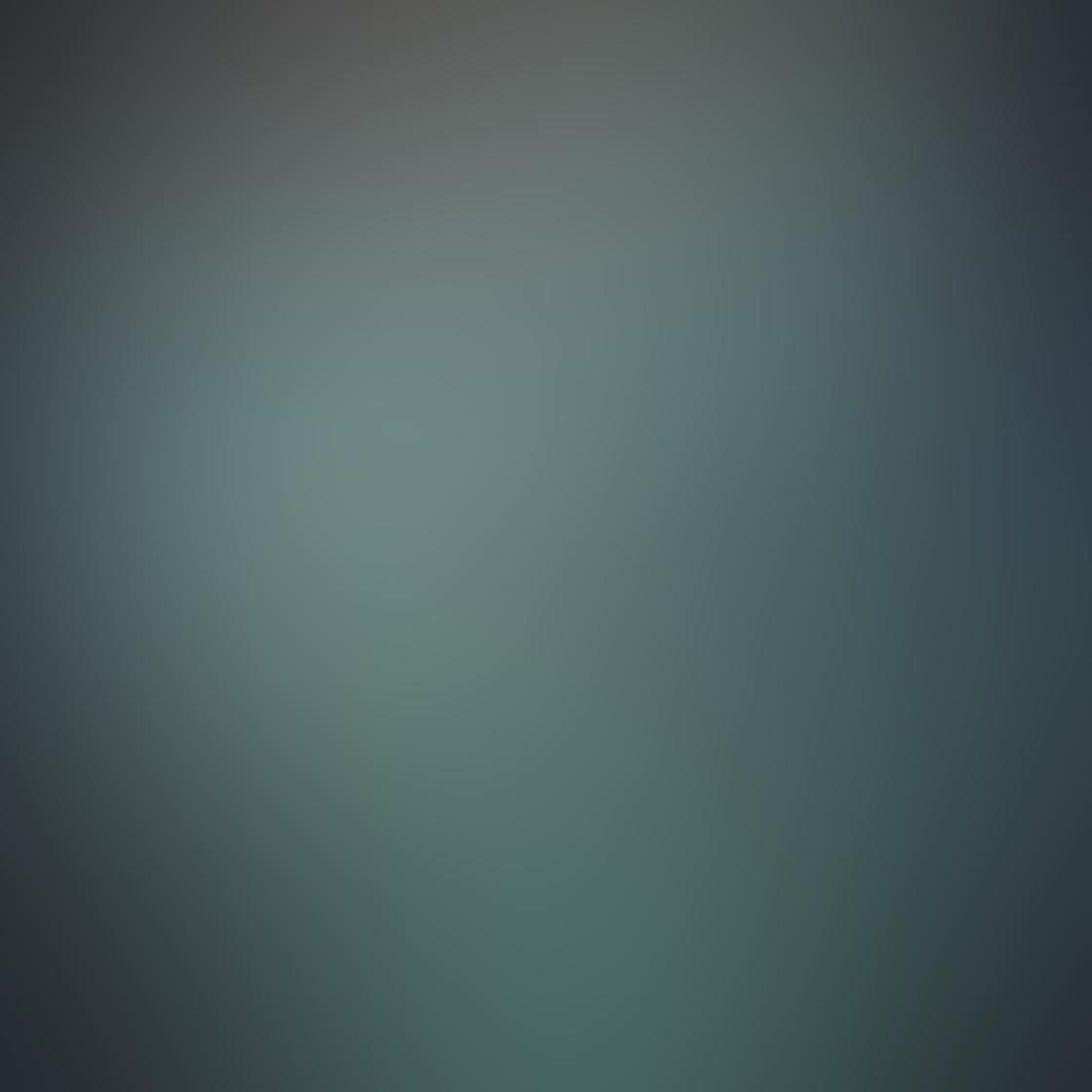 iPhone Reflection Photo 04