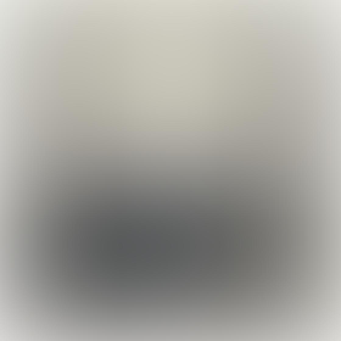 iPhone Monochromatic Photo 02