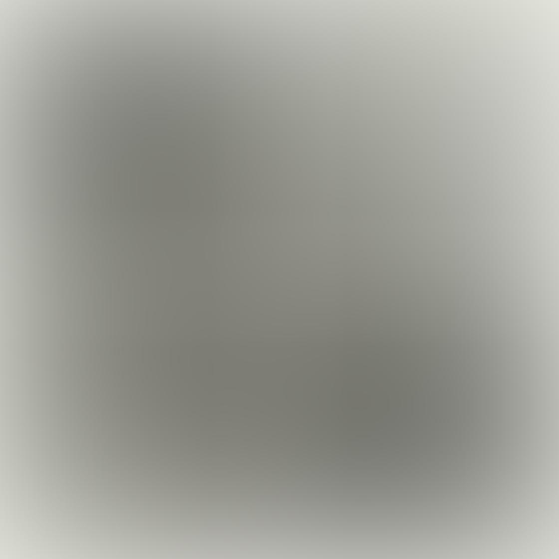 iPhone Monochromatic Photo 06