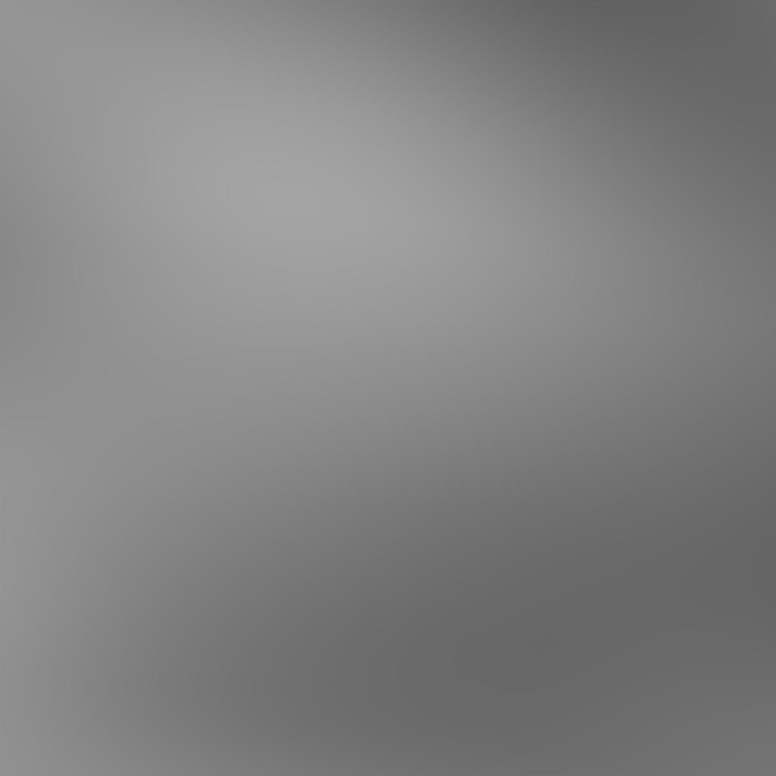 iPhone Angle Photo 05