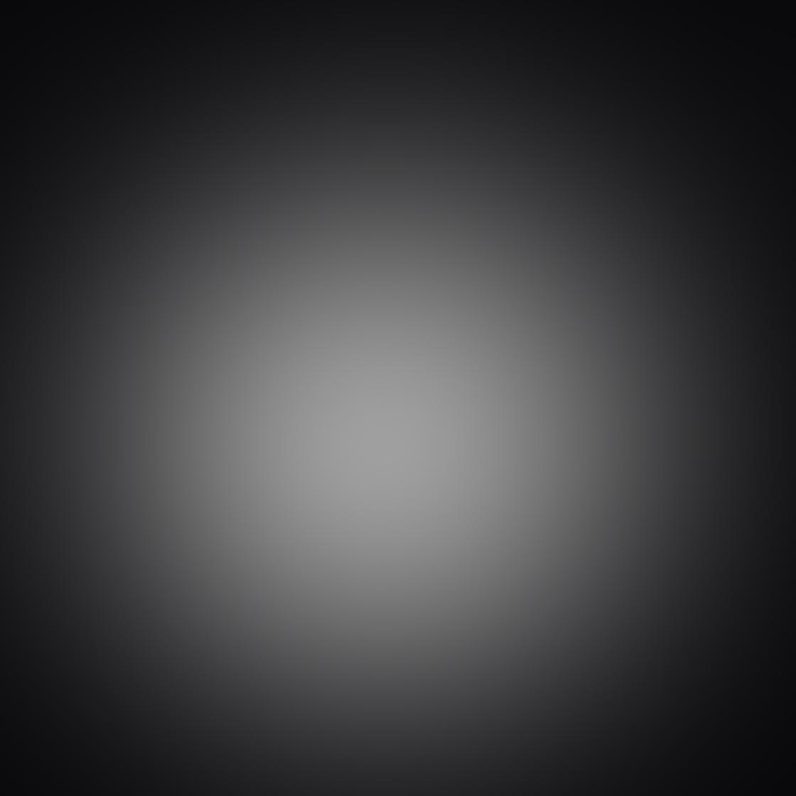 iPhone Angle Photo 03