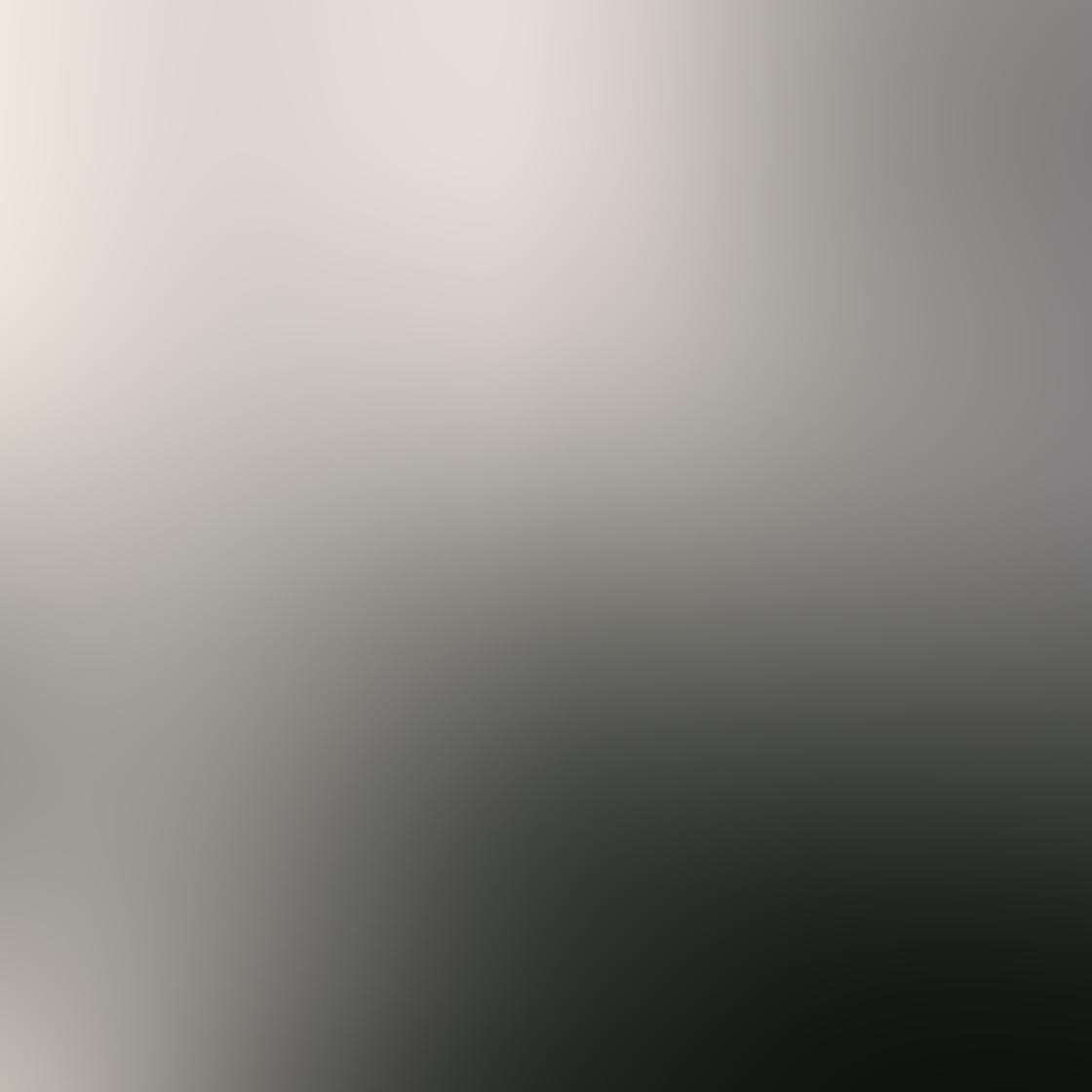 iPhone Angle Photo 01