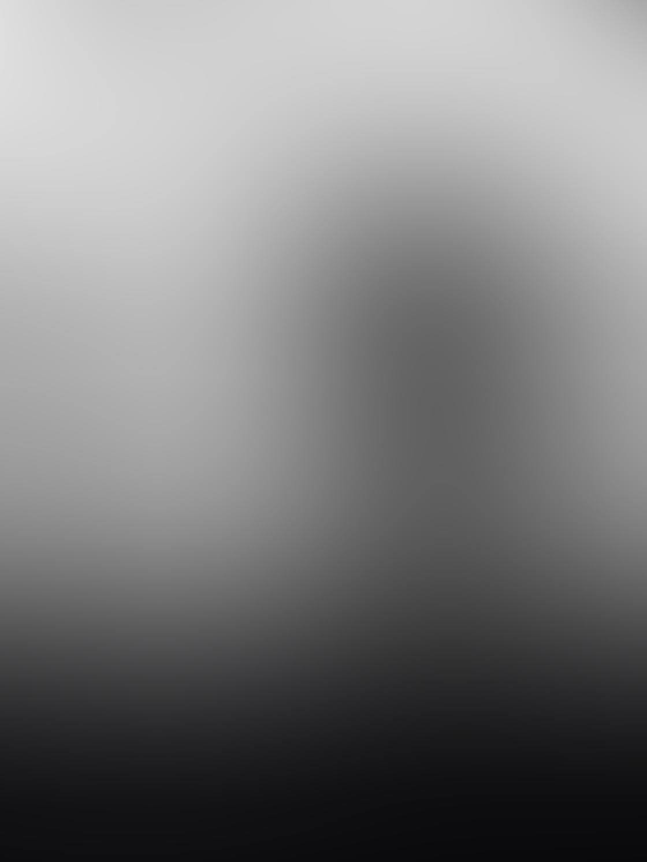 iPhone Empty Space Photo 12