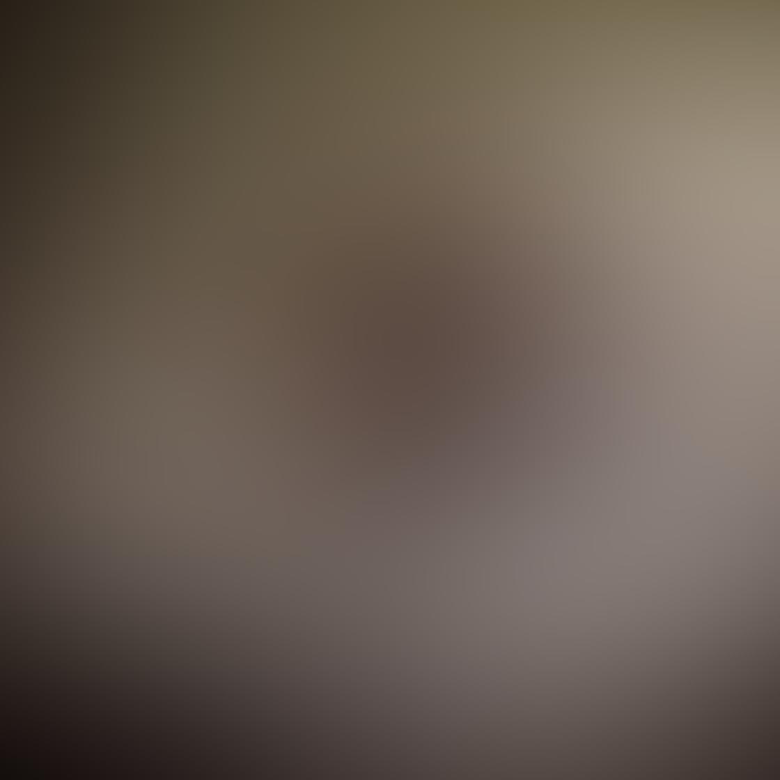 Kelly Tan iPhone Photos 1