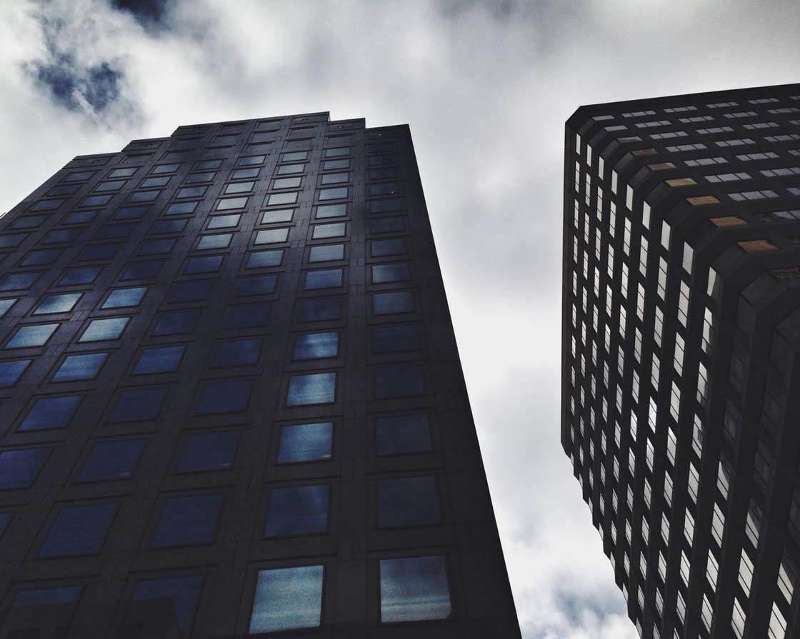 iPhone Photo Buildings 5 no script