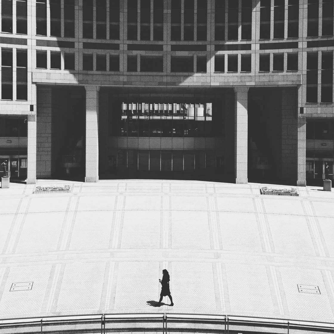 iPhone Photo Buildings 14 no script