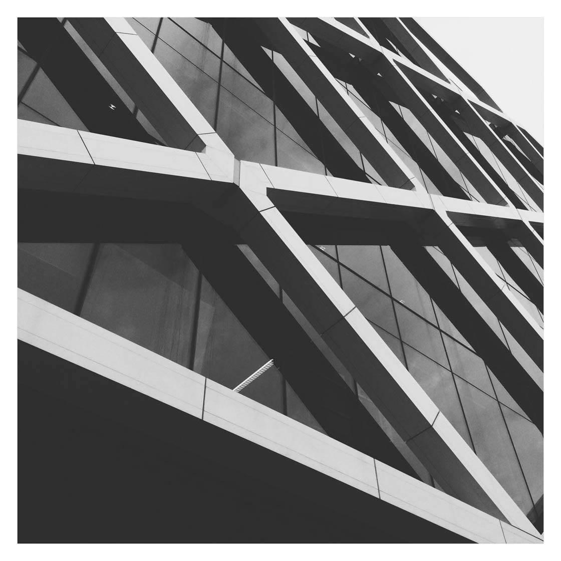 iPhone Photo Buildings 24 no script