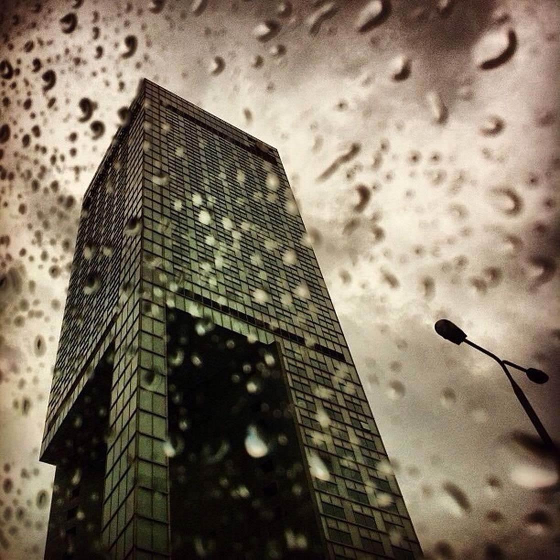iPhone Photo Buildings 28 no script