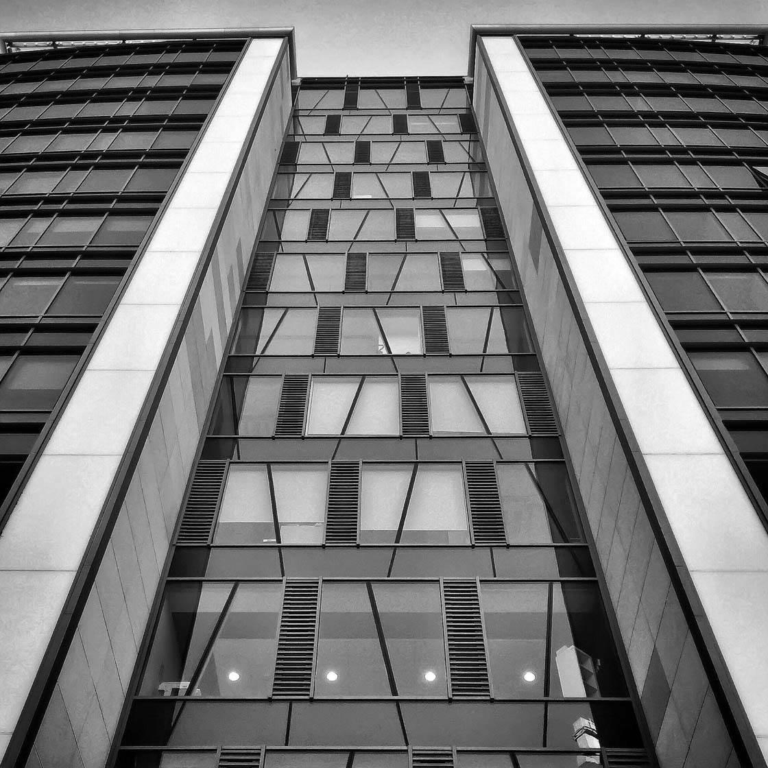 iPhone Photo Buildings 29 no script