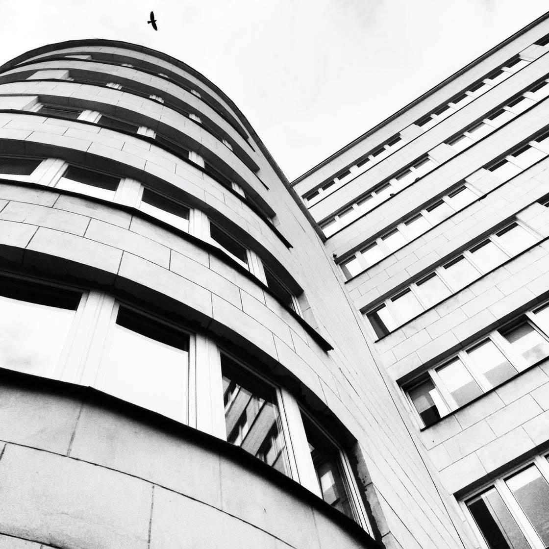 iPhone Photo Buildings 30 no script